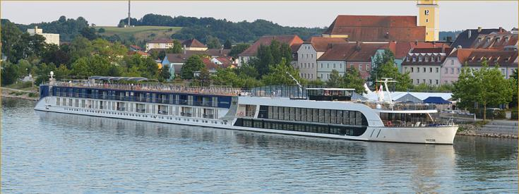 picture of river cruise ship