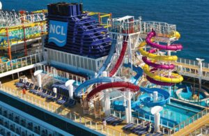 picture of a super fun water park aboard NCL ocean cruise boat